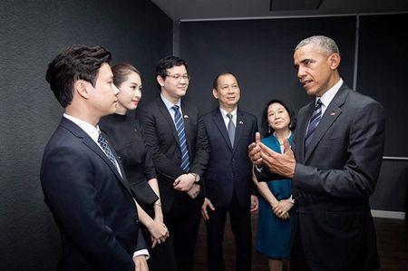 "HH Thu Thao va nguoi yeu dai gia ""tam dau y hop"" khi cung co hanh dong nay! - Anh 2"