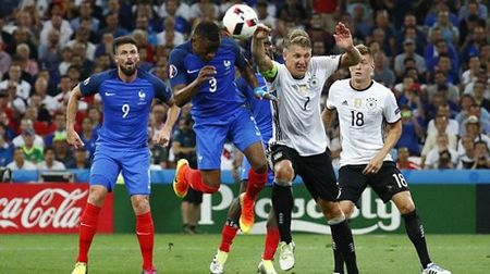 Griezmann lai toa sang dua Phap vao Chung ket Euro 2016 - Anh 1