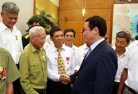 Thuc hien chinh sach den on dap nghia doi voi nguoi co cong - Anh 2