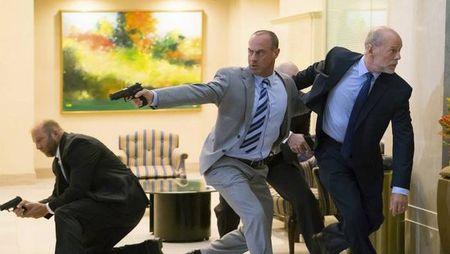 Bruce Willis tai hop voi Miller trong sieu pham hanh dong 'MARAUDERS' - Anh 3