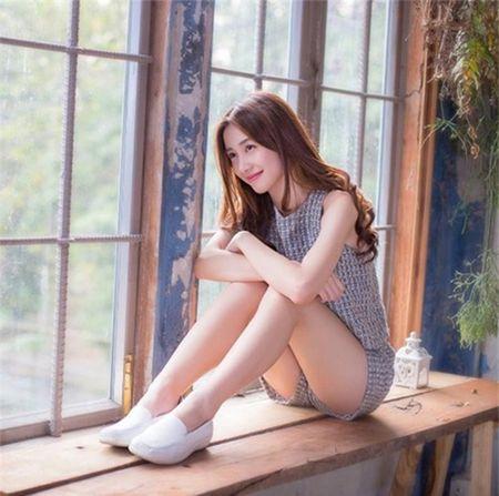 Hotgirl Thai Lan goc Viet gay thuong nho boi ve quyen ru rang ngoi - Anh 2