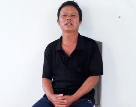 Ngu phu bong hoa 'dao phu' chem lia tay vo trong con cuong ghen - Anh 1
