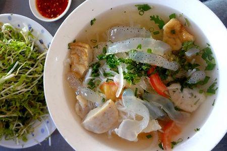 Troi nong, them bun sua Nha Trang san sat, mat mat - Anh 1