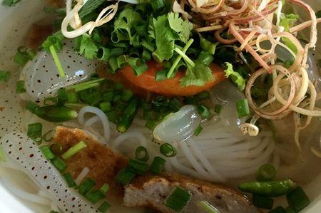 Troi nong, them bun sua Nha Trang san sat, mat mat - Anh 2