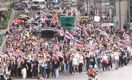 Trung cau y dan ve du thao hien phap tai Thai Lan: Duoc an ca, nga ve khong - Anh 1