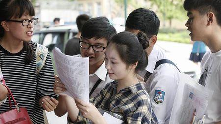 DH Thai Nguyen dang cham hon 40.000 bai thi - Anh 1