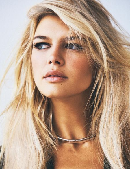 Kelly Rohrbach khoe than hinh nong bong voi vong 1 cang tron - Anh 5