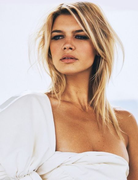 Kelly Rohrbach khoe than hinh nong bong voi vong 1 cang tron - Anh 6
