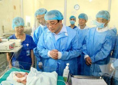 Bi thu Thanh uy Hoang Trung Hai: Day manh tu chu, phat trien Benh vien Tim Ha Noi xung tam khu vuc - Anh 1