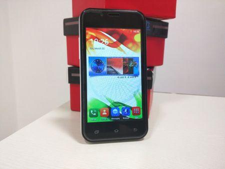 Cuoi cung thi smartphone 4 USD chinh thuc ra mat - Anh 1