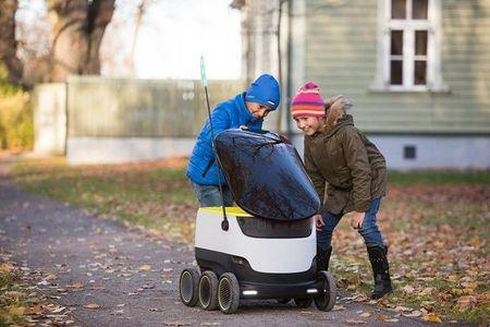 Robot se thay the con nguoi di giao do an tai London - Anh 4