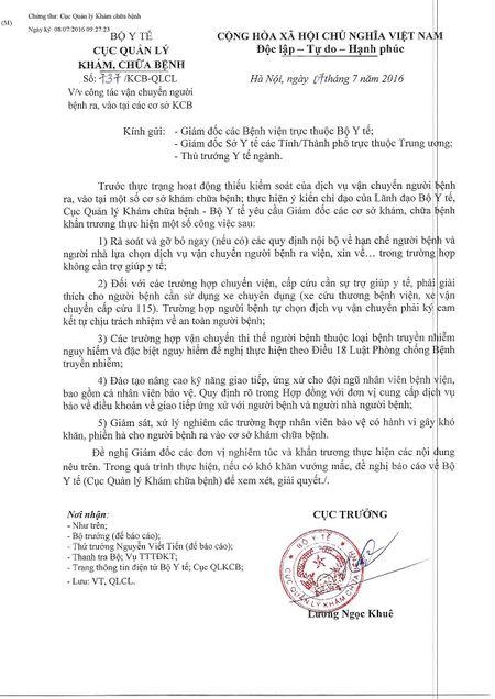 Giam doc benh vien Nhi Trung uong len tieng xin loi nguoi dan ve viec bao ve chan xe cap cuu - Anh 3