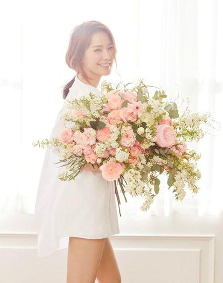 Bi quyet cham soc da khoe dep trong 10 phut cua my nhan Son Tae Young - Anh 1