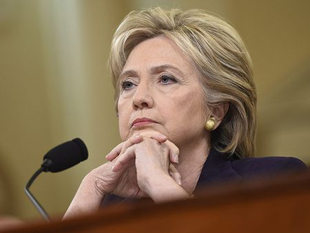 Ba Clinton mung hut ve vu be boi email - Anh 1