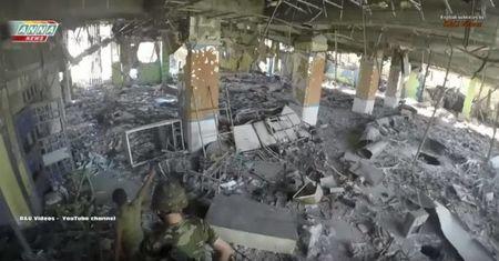 Video: Cuoc chien tan bao cua luc luong Hoi giao cuc doan o quan Al-Layramoun, thanh pho Aleppo - Anh 1