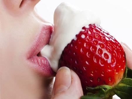 8 tuyet chieu Oral sex cho chang ngay ngat de me - Anh 1