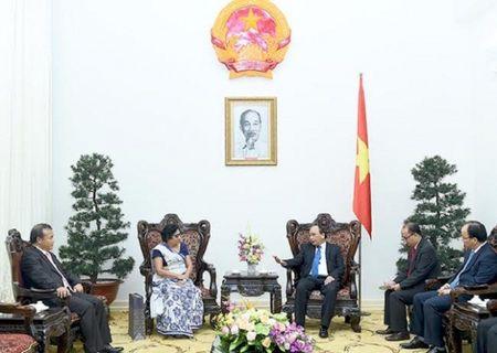 Thu tuong Nguyen Xuan Phuc tiep Dai su Han Quoc va Sri Lanka - Anh 1