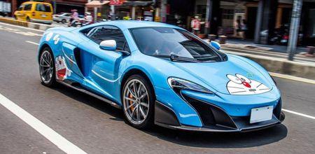 McLaren 675LT lot xac trong 'bo canh' meo may Doremon - Anh 1