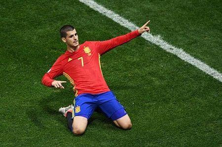 Arsenal vuot mat Chelsea gianh Morata - Anh 1