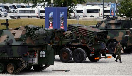 Thuong dinh NATO: Bam cu, ghep moi - Anh 2