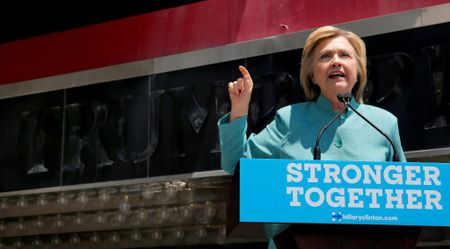 Bo Ngoai giao My mo lai cuoc dieu tra noi bo vu email ca nhan ba Clinton - Anh 1