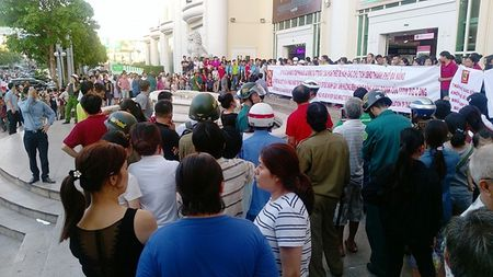 Lum xum o Big C Da Nang: Khach hang, nguoi kinh doanh chiu thiet - Anh 1