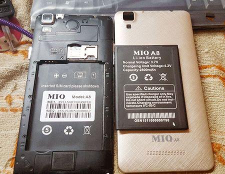 Canh bao lua dao ban Samsung A8 nhung giao dien thoai Trung Quoc gia beo - Anh 1