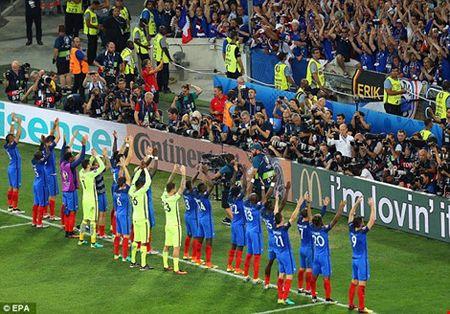 Ngac nhien khi tuyen Phap an mung theo kieu tuyen Iceland - Anh 2