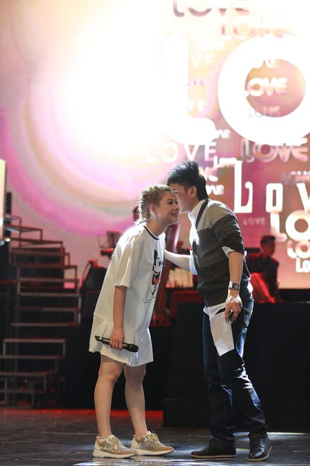 Dan sao nam Vpop quy tu trong live show cua Thanh Thao - Anh 9