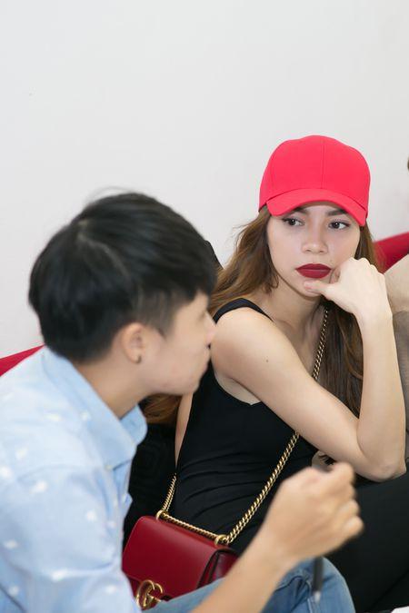 Ho Ngoc Ha tuyen dien vien nam lam MV tang hoc tro The Face - Anh 3