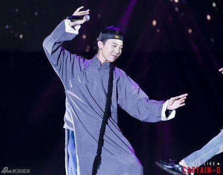Sau Hoang Phi Hong, G-Dragon (Big Bang) lai gia Ly Tieu Long - Anh 4