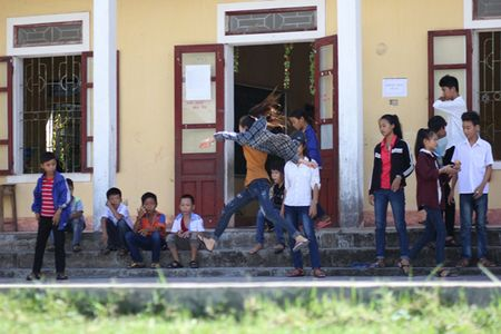Vu Formosa: 119 HS Vung Ang tro lai truong sau 2 nam that hoc - Anh 4