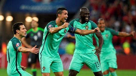 Chung ket EURO 2016: Bo Dao Nha va so 12 huyen bi - Anh 1