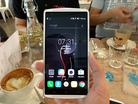 Samsung Galaxy A7 2016 dep nhung chua bang Lenovo Vibe X3? - Anh 9
