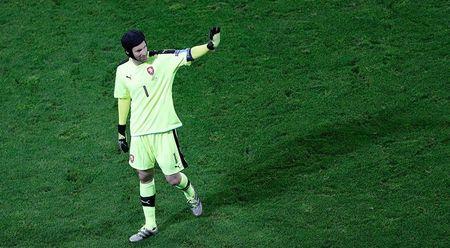 NONG: Petr Cech gia tu su nghiep quoc te - Anh 1