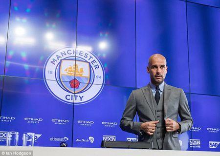 Buoi hop bao dau tien cua Guardiola tai Man City: 'Toi o day, de chung minh ban than minh' - Anh 4