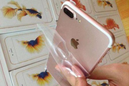 Trung Quoc ho bien iPhone 7: Nguoi Viet van me hang nhai? - Anh 1