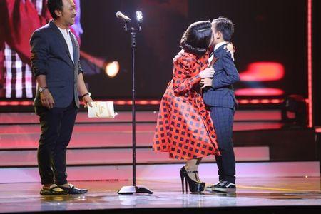 'Kho hieu' Ho Van Cuong vuot Son Tung, My Tam thang giai lon - Anh 1