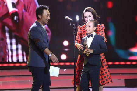 'Kho hieu' Ho Van Cuong vuot Son Tung, My Tam thang giai lon - Anh 2