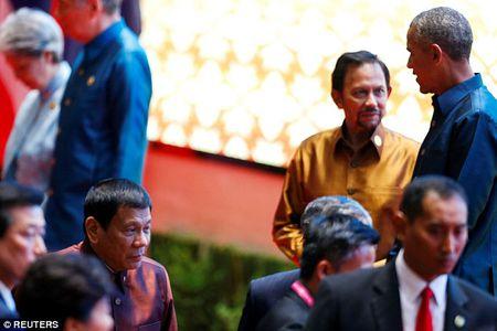 Obama gap Tong thong Philippines du bi xuc pham - Anh 1