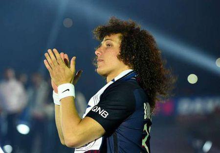HLV Conte tiet lo vi tri cua David Luiz - Anh 1