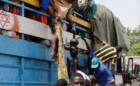 Cuoc song nguoi dan Nigeria khon kho vi khung bo Boko Haram - Anh 9