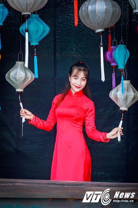 Nu sinh Su pham rang ro trong ta ao dai do don Trung thu - Anh 1