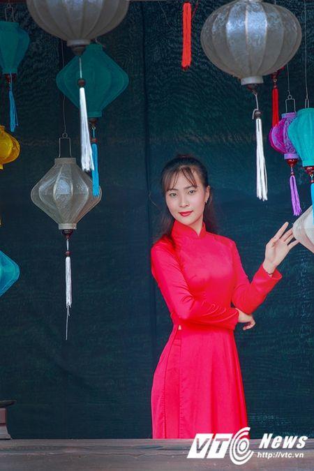 Nu sinh Su pham rang ro trong ta ao dai do don Trung thu - Anh 6