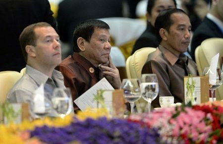 """Tong thong Philippines """"tranh mat"""" Tong thong My va TTK LHQ Ban Ki Moon? - Anh 1"""