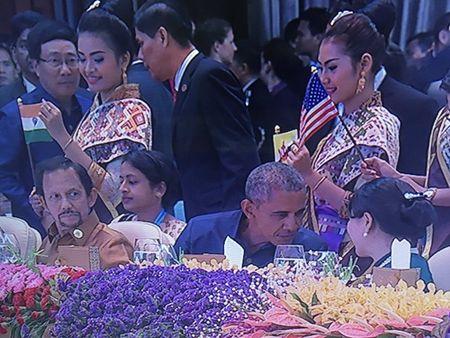 """Tong thong Philippines """"tranh mat"""" Tong thong My va TTK LHQ Ban Ki Moon? - Anh 3"""
