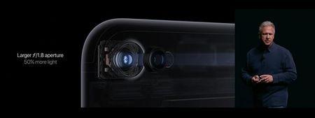 Apple iPhone 7: chong nuoc, bo jack tai nghe, CPU 4 nhan, phim Home cam ung, 2 camera, 2 loa, 5 mau - Anh 10