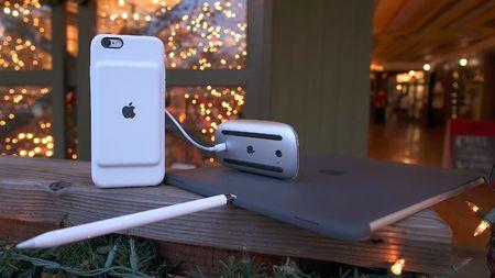 "Apple lai bi ""choc gheo"" tren Twitter ve viec khai tu jack cam tai nghe tren iPhone 7 - Anh 1"