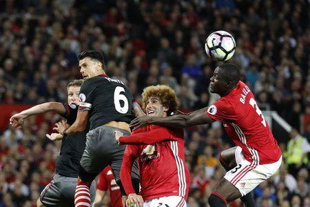 Hoc tro Mourinho: Tu bao ve thanh sao Man United - Anh 1