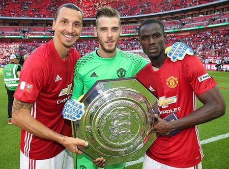 Hoc tro Mourinho: Tu bao ve thanh sao Man United - Anh 2